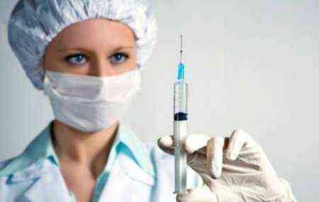 Колоть Мидокалм-Рихтер можно внутримышечно по 1 ампуле (100 мг толперизона) 2 раза в день или внутривенно по 1 ампуле раз в день